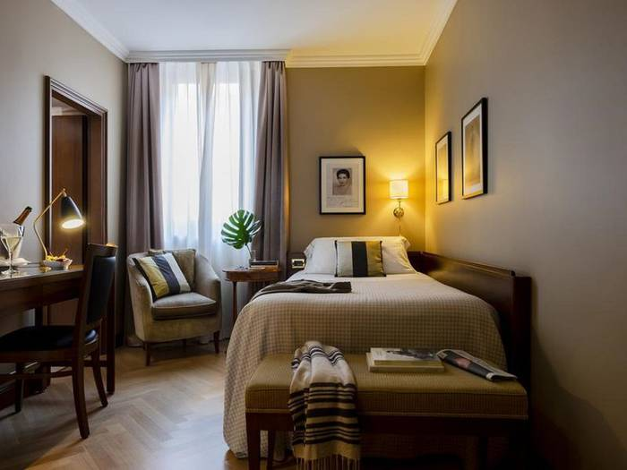 Double room with french bed hotel accademia**** verona