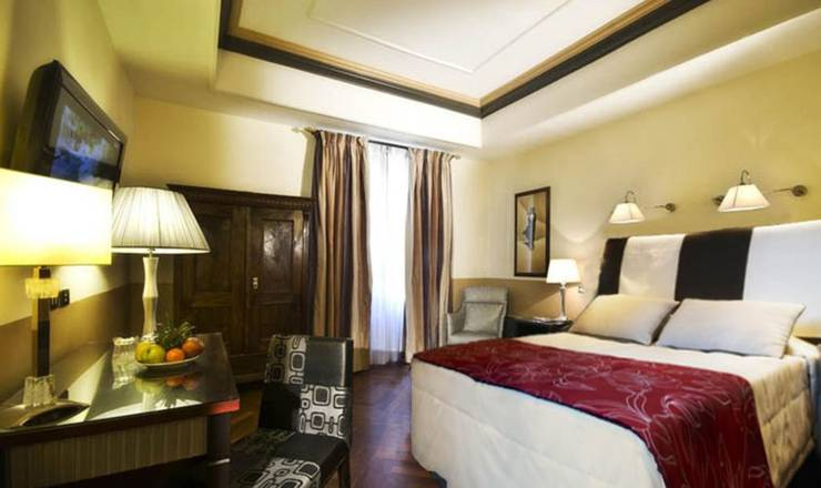 Superior triple room hotel royal court**** rome
