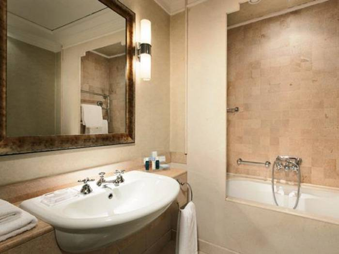 Superior double for single use hotel stendhal**** rome