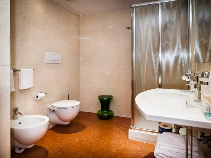 Business triple room hotel dei cavalieri caserta****