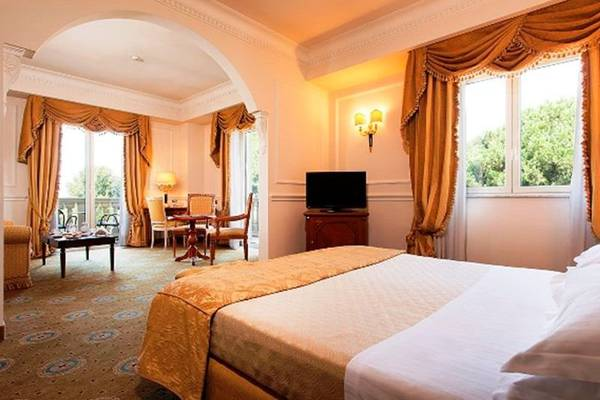 Superior Double room Grand Hotel Vanvitelli**** in CASERTA