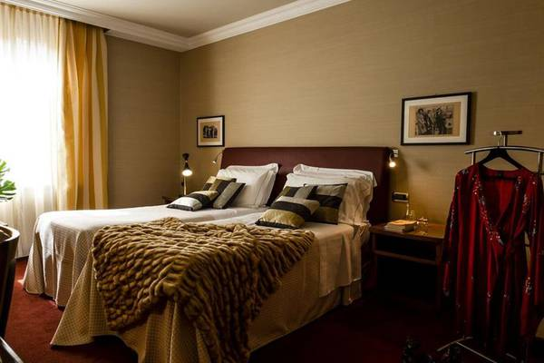 Double or twin beds room Hotel Accademia**** in VERONA