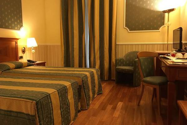 Classic twin room Andreola Central Hotel**** in MILAN