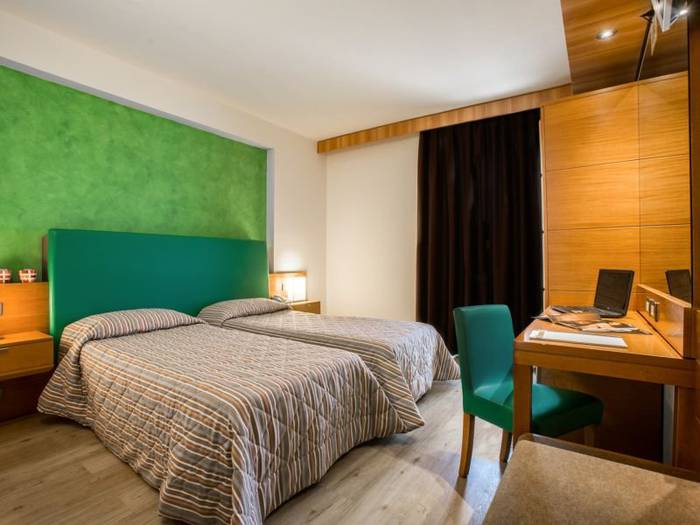 Standard twin room hotel galilei**** pisa