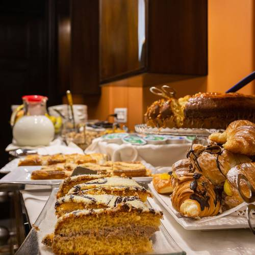 Buffet breakfast mascagni luxury rooms & suites**** rome