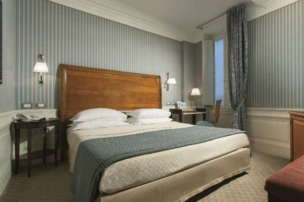 Classic double or twin room Hotel Stendhal**** in ROME