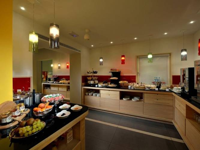 Buffet breakfast hotel carlton*** ferrara