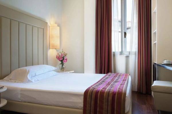 Classic single room Hotel Londra**** in FLORENCE