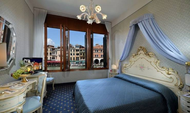 Deluxe double room with view hotel rialto**** venice