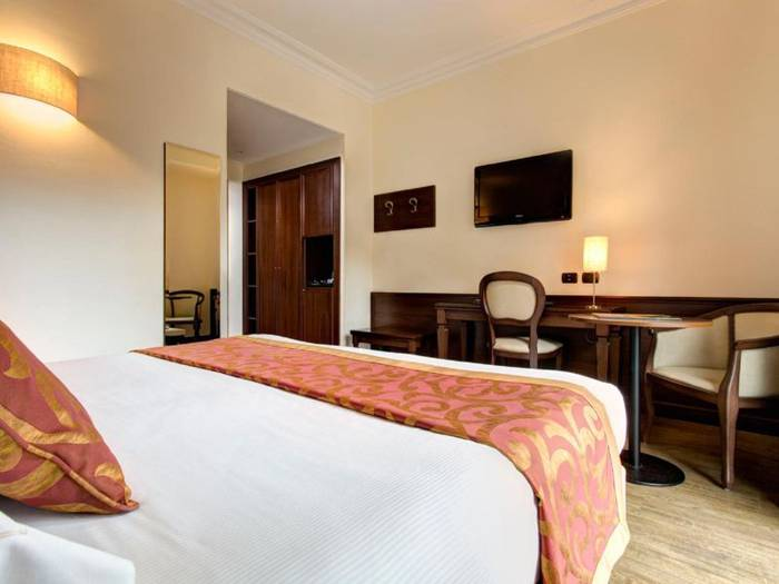 Standard double room hotel athena**** siena