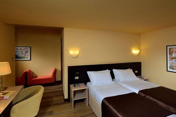 Twin room Hotel Carlton*** in FERRARA