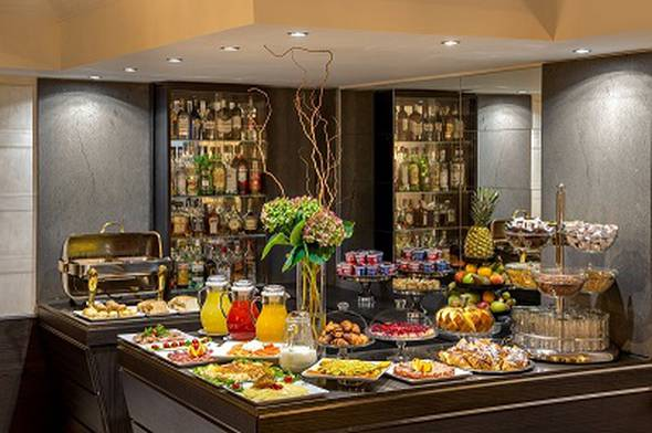 Breakfast hotel royal court**** rome