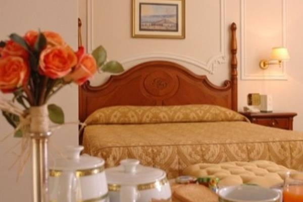 Double room Grand Hotel Vanvitelli**** in CASERTA