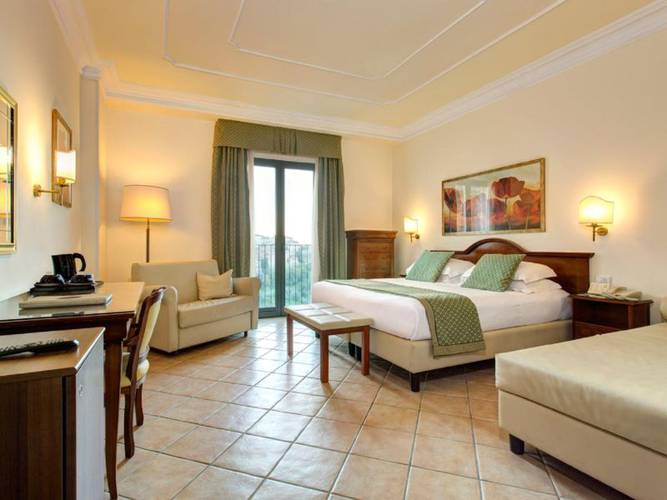 Executive double room hotel athena**** siena