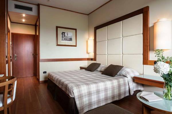 Classic double or twin room Hotel Londra**** in FLORENCE