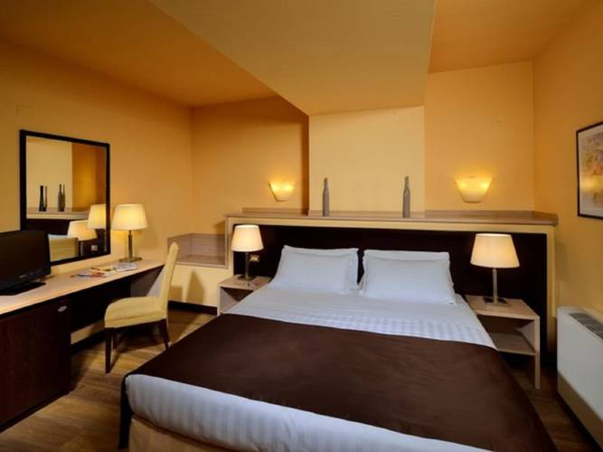 Double room hotel carlton*** ferrara
