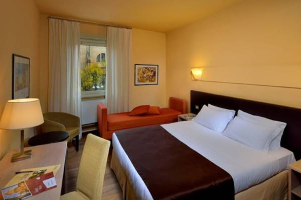 Triple room Hotel Carlton*** in FERRARA