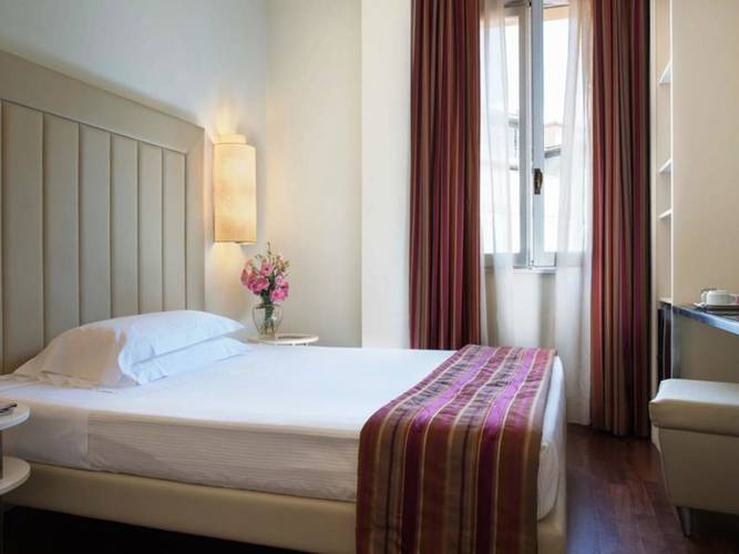Classic single room hotel londra**** florence