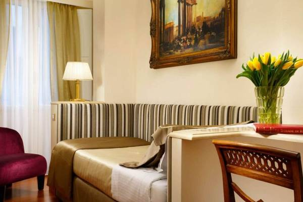 Single room Hotel Forum**** in ROME