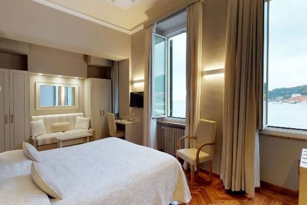 Junior Suite for 3 people Hotel Metropole & Santa Margherita**** in SANTA MARGHERITA LIGURE