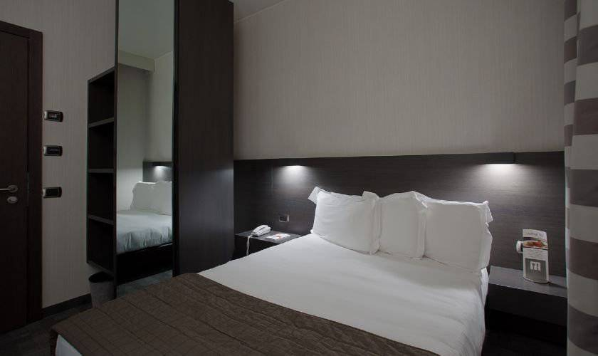 Small double room hotel ovest**** piacenza