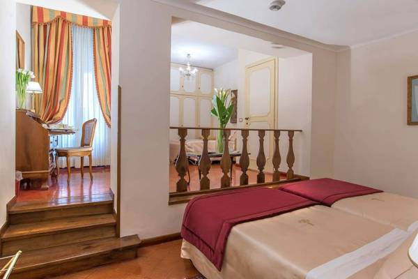 Triple room Hotel Forum**** in ROME