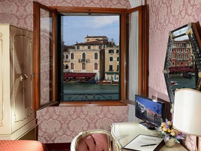 Single room hotel rialto**** venice