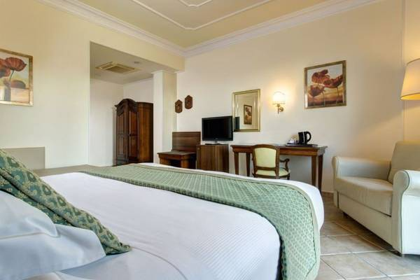 Executive double room Hotel Athena**** in SIENA