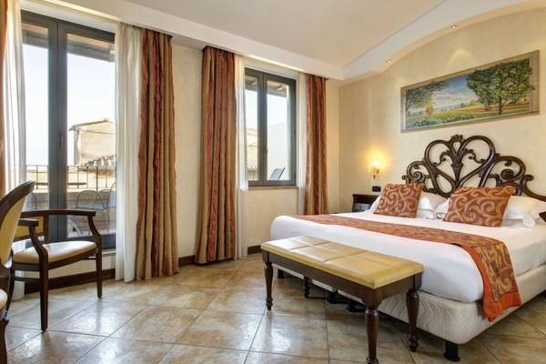 Deluxe double room Hotel Athena**** in SIENA