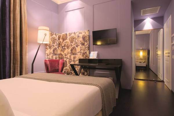Deluxe double for single use Stendhal Luxury Suites**** in ROME