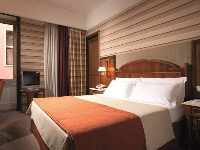 Single room hotel mascagni**** rome
