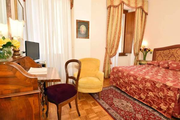 Room double for single use Hotel Forum**** in ROME