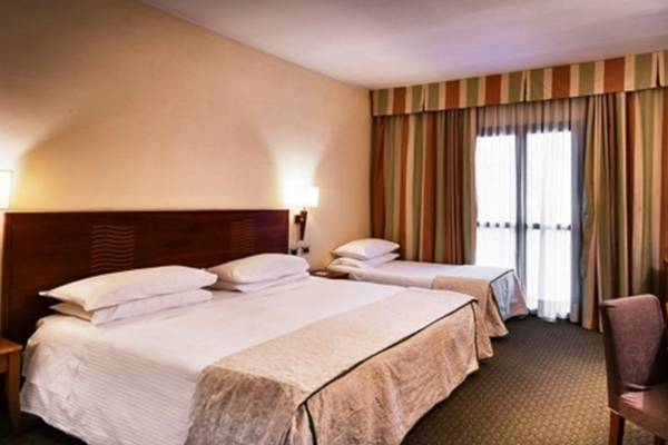 Business triple room Hotel Dei Cavalieri Caserta**** in CASERTA