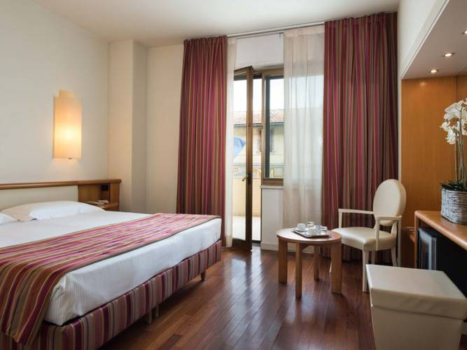 Camera superior hotel londra**** firenze