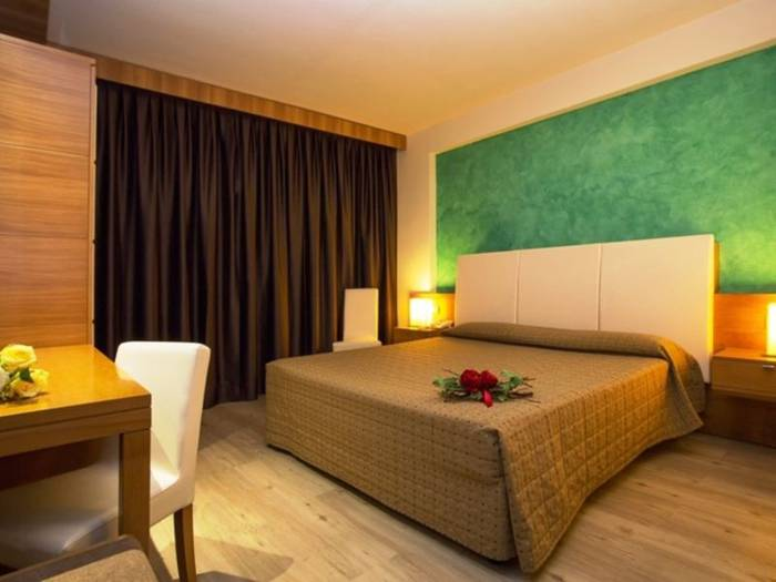 Standard triple rooms hotel galilei**** pisa