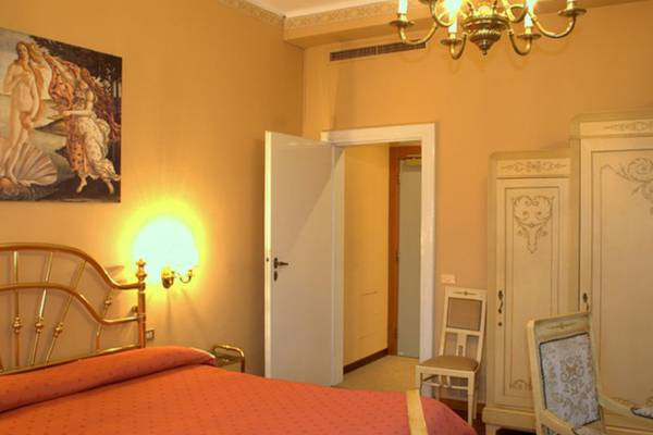 Superior double room Hotel Metropole & Suisse Au Lac**** in COMO