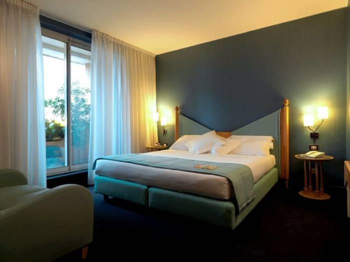 Superior king bed double room hotel spadari al duomo**** milan