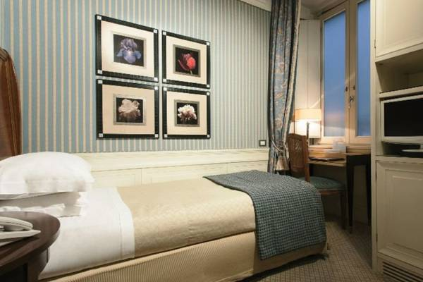 Classic single room Hotel Stendhal**** in ROME