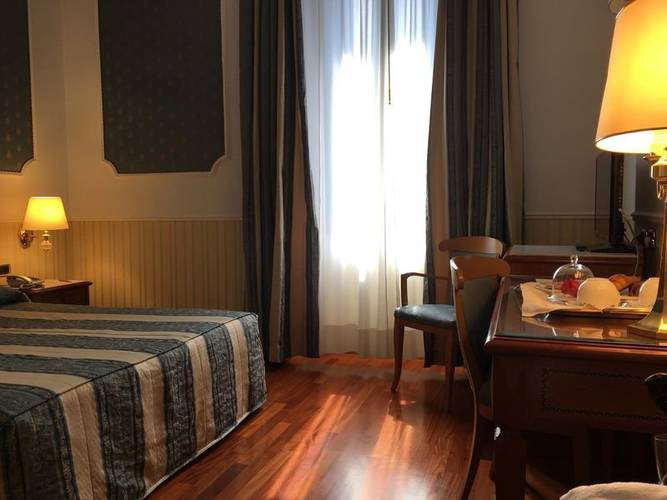 Double room andreola central hotel**** milan