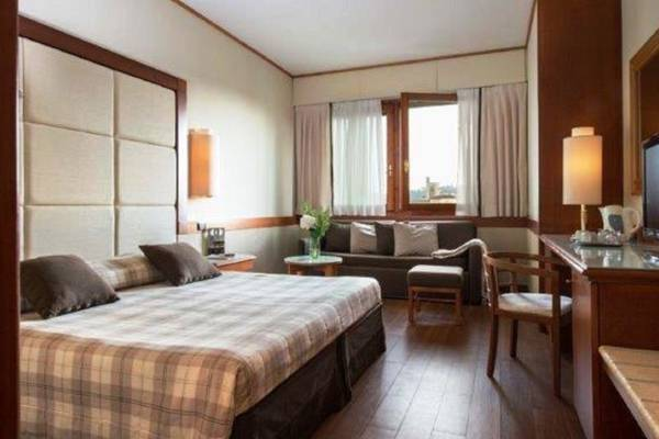 Triple room Hotel Londra**** in FLORENCE
