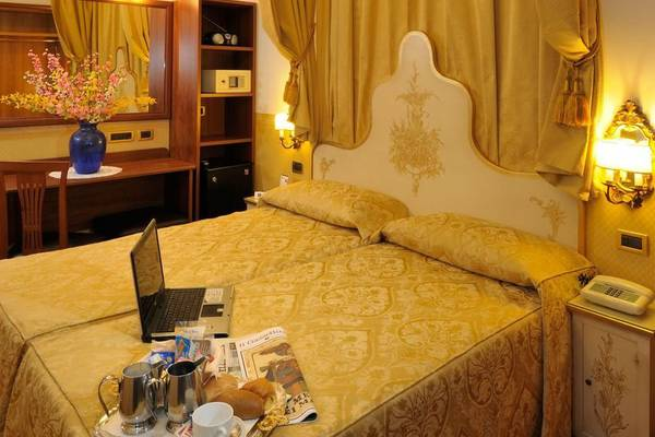 Classic double room Hotel Ala*** in VENICE