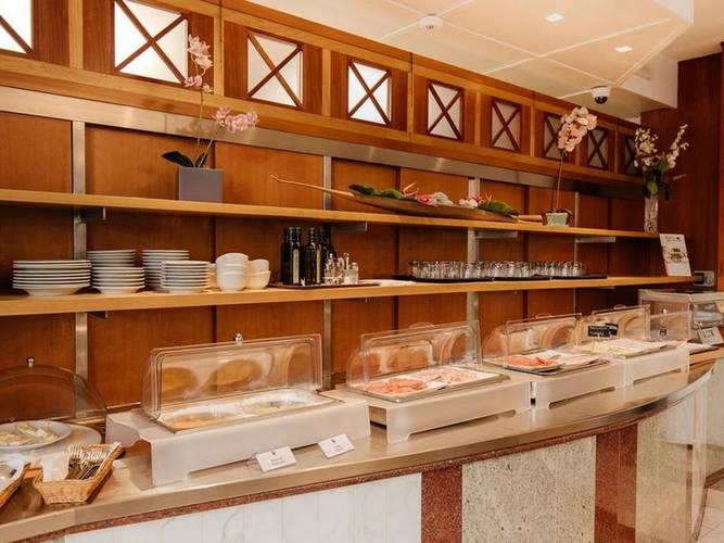 Buffet breakfast alfa fiera hotel**** vicenza