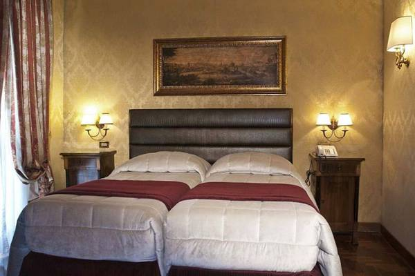 Standard double room Hotel Royal Court**** in ROME